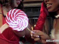 Ariella Ferreralle ja Yasmine De puolesta Leon kaupungissa Lesbo MILF lomastasi erityisen