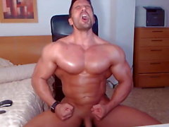 Jacked stud allume sa webcam pour un spectacle jerk