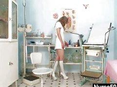 Грязный летняя женщина дикого мастурбация