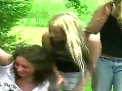 Blondes Dominatrici CFNM esterna spasmi cazzo