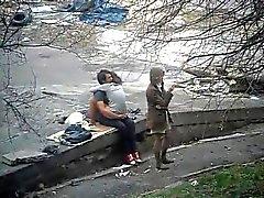 Девушку трахнуть девушки и ее подругу на Стри