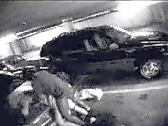 BBC neukt White Wife in Parking Garage - Openbare Voyeur
