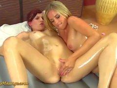 massage des nanas glissante lesbienne