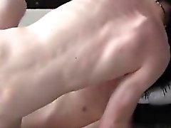 Porno gays i ragazzi a tubi scozzesi storditore di Seth selvaggio torna di