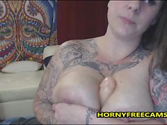 Tattooed Busty Blondes Onani Solo