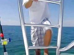 Priya Rai wird auf einem Boote fickte