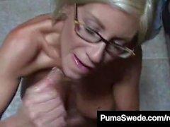 Euro Porn Star Puma ruotsalainen saa maitolaseja puhuttelun jälkeen!