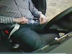 Auto commune di Dick in pubblico