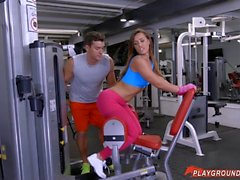 Big Booty Latina Anal Fucked In The Gym
