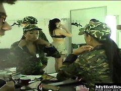 üniformalı beş bayanlar, Gianna Michaels, Kea Kulani, ...