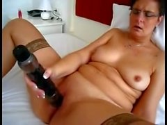 Milf Sure Can Handle her Vibrating Friend
