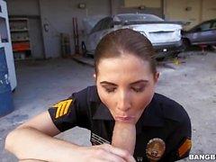 L'officier Molly Jane Patrols The City