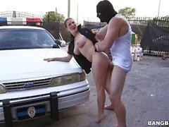 Офицер Молли Джейн Патрулирует город