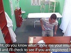 FakeHospital Stud kuulu antaen sairaanhoitaja creampie