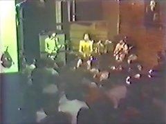 Henry orgasme sobre el podio Rock and Roll Erotic kampioen!