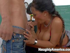Slutty teacher Lisa Ann with mouth waterng curves gets screwed