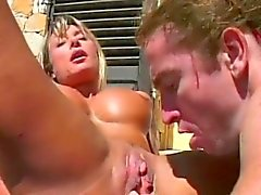 Outdoor fucking with fit babe