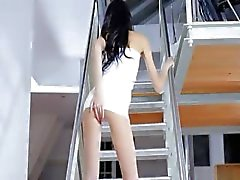 Jasmin menina fina dildoing na escada