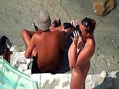 Sex sur la plage de