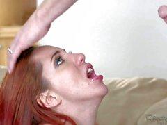 Экзотических бледная рыжий мамаша Kelly Divine с огромным твердых бахчевых - порно галереи видеоклип Pornsharing