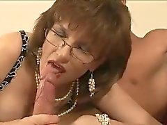 British lady gets facefucked
