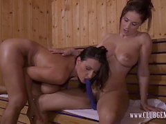 Roberta Gemma - Threesome with Sensual Jane