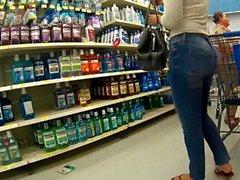 Sexy ass Latina tight jeans