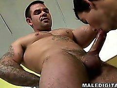 Muskel Bären und Lusty junge Männer