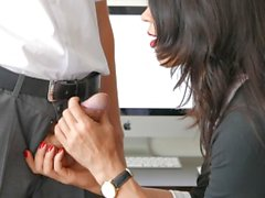 Secretary Handles Cock With Skill Causes Huge Cumshot In Mouth