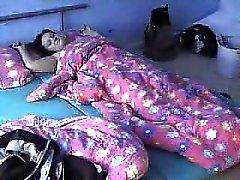 Ihre Fan auf der Matratze gefickt dicke Frau