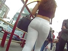 very taut white jeans wazoo