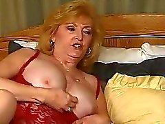Dos dois prostituta amadurecer quer more merda com uma torneira nova
