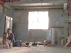 Niñas asiáticas adolescentes que se volvieron en esclavas sexuales obtener follada y abusos
