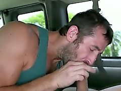 Amateur bear sucks straighty gay