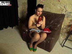 Hot babe Larissa Gold enjoys weird pussy insertion