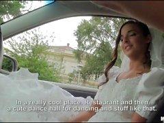 Runaway bride Amirah Adara sex in a car