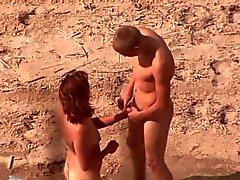 Voyeur . Boquete e sexo na praia pública