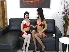 Purukumi tyttö syvälle anaali Nyrkkinainti