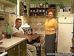 Küchen GILF Ficken