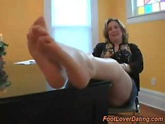 Possible bottoms and granny exhibits her clean toes