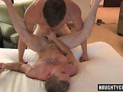 Hot Homosexuell Analsex und abspritzen