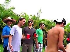 in caucciù nero porno gay del sesso degli uomini bianco Ciao wassup uomini presente piccole