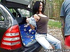 Busty amatör karısı sert açık havada becerdin