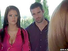 Two spose Krissy di Lynn e il Brittney Banxxx Trova Slam di scopata