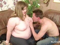 La Etapa -Bro ayuda a la grasa y la hermana Ugly con First la cogida