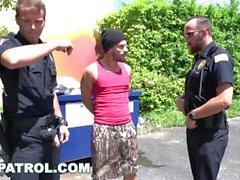 GAYPATROL - Silent Alarm Триггеры Cops трахать Преступник (xg16057)