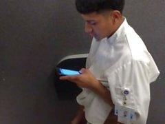 Espionnage hommes droites jerking toilettes