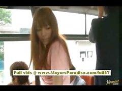 Rio азиатские подростковой милашки получать ее волосатые письки ласкал в автобус