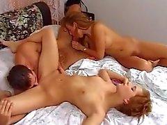 Красивые Threesome Миссия порно