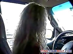 Vamp Irreligious com uma densa melissa mop Buckett começa a partir do carro e acabam no quarto